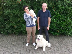 Carine en Roland met Hun kleine Noa en veteraantje Beau